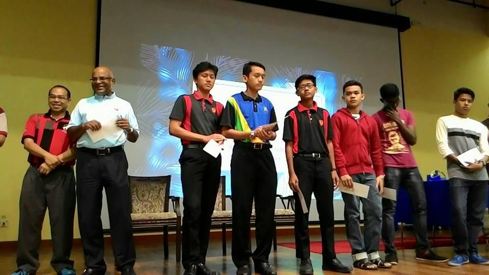 Tahniah kepada pasukan bola keranjang , Redwings dan pasukan hoki Prodigy yang telah bergelar juara dalam perlawanan masing – masing. Semoga kedua – dua pasukan ini dapat mengharumkan nama SDAR dalam HKSBP Peringkat Kebangsaan nanti.