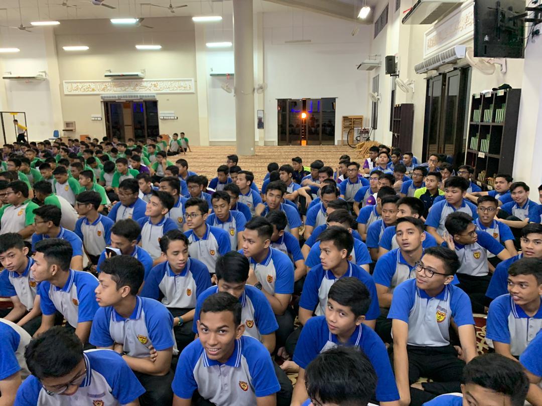Pada 22 Jan yang lepas, selepas solat Maghrib , telah diadakan taklimat berkaitan dengan pengurusan disiplin pelajar SDAR. Taklimat diberikan oleh En Wan Muhammad Taufik selaku SU Disilpin SDAR dan dibantu oleh beberapa orang warden.