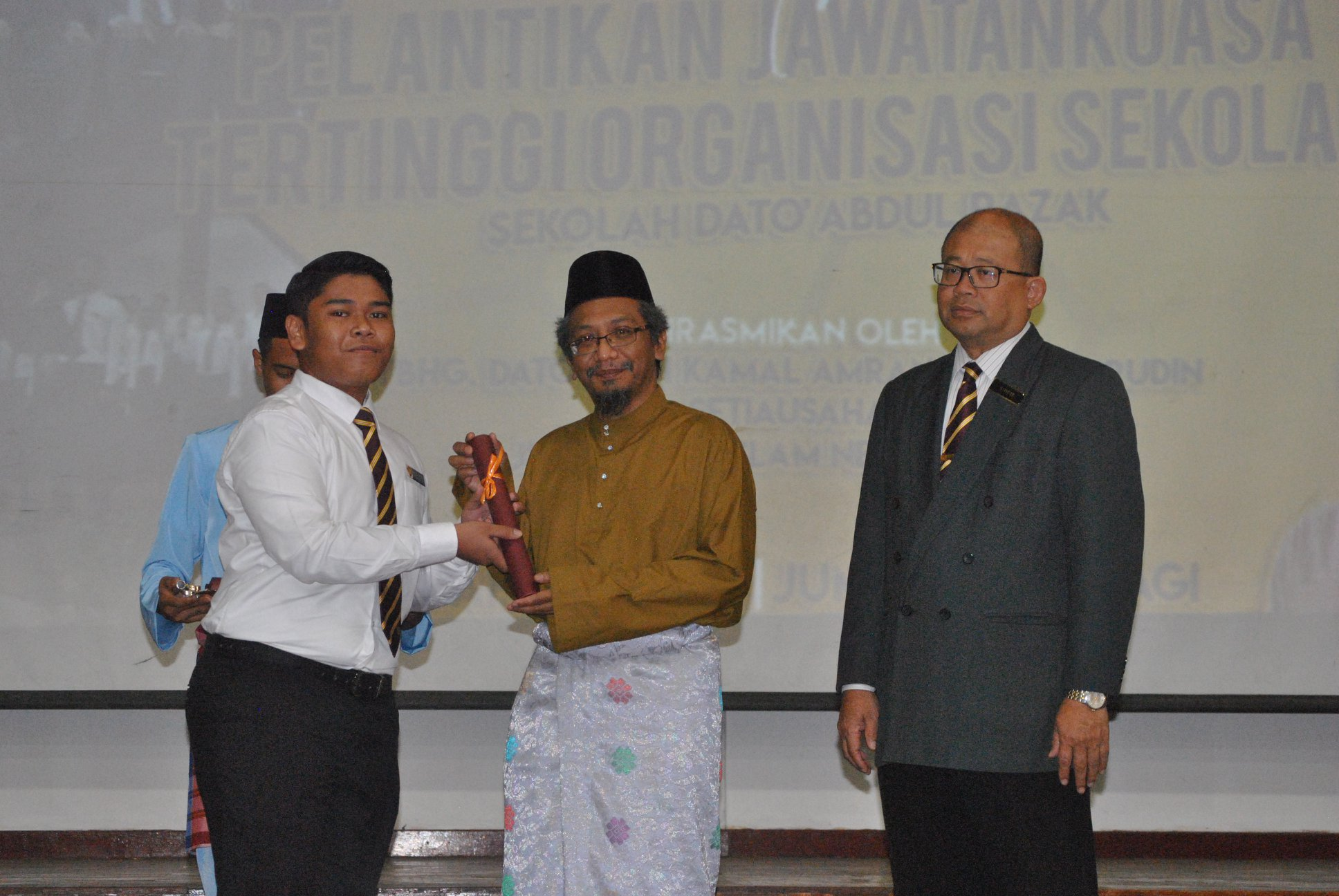 Setiausaha Majlis Agama Islam Negeri Sembilan (MAINS), Dato' Haji Kamal Amran Kamarudin hadir merasmikan Majlis Pelantikan Jawatankuasa Tertinggi Organisasi Sekolah Dato' Abdul Razak (SDAR) hari ini.