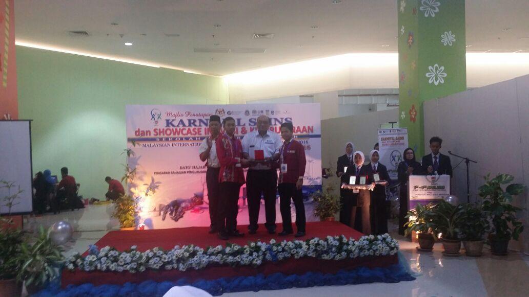 Tahniah buat pasukan inovasi SDAR yang telah berjaya mendapat anugerah Gold Award dalam Malaysian International Young Inventors Olympiad (MIYIO) sempena Karnival Sains Dan Showcase Inovasi Kejuruteraan SBP ,  yang telah diadakan pada 1 – 3 April 2016 , di SM Sains Tun Syed Sheikh Shahabudin , Pul