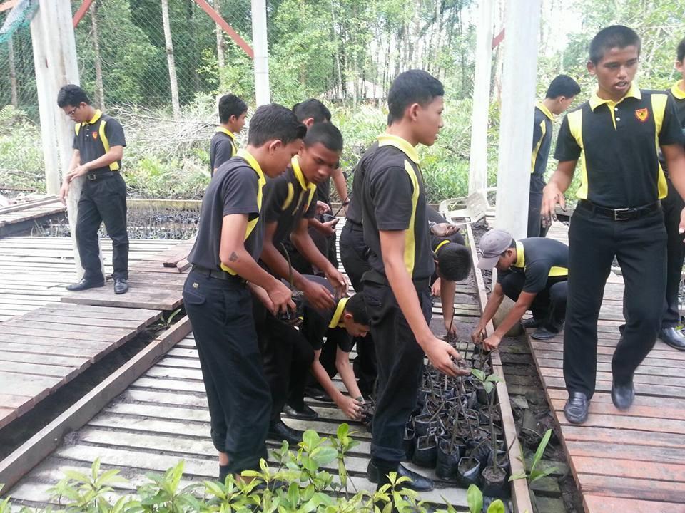 Pada 31 Oktober yang lepas , 29 orang pelajar tingkatan 2 bersama dengan 3 orang guru bagi subjek Geografi telah membuat lawatan ke Hutan Paya Laut Matang, Taiping , Perak. Lawatan ini adalah program anjuran panitia yang diberi nama Program Menjelajah Hutan Paya Laut Matang, Taiping, Perak.