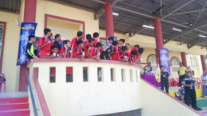 Alhamdulillah dan tahniah buat pasukan bola sepak ALPHA SDAR kerana telah berjaya dinobatkan juara dalam pertandingan bola sepak SUPER 4 di Sekolah Sultan Alam Shah (SAS) . Pertandingan ini telah berlangsung selama 3 hari iaitu 14 hingga 16 April 2017.