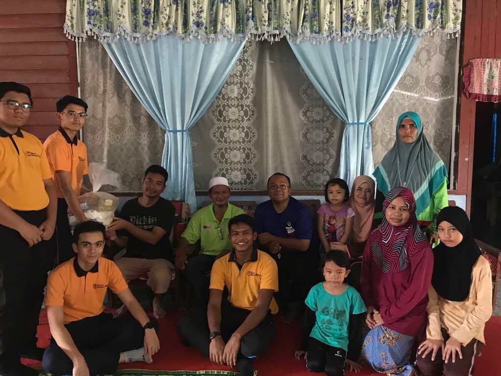 Warga Sekolah Dato' Abdul Razak turut mengadakan Kempen Sekampit Beras. Melalui kempen ini, guru serta pelajar menghulurkan bantuan kepada penduduk yang tinggal di kawasan pedalaman serta kurang berkemampuan.