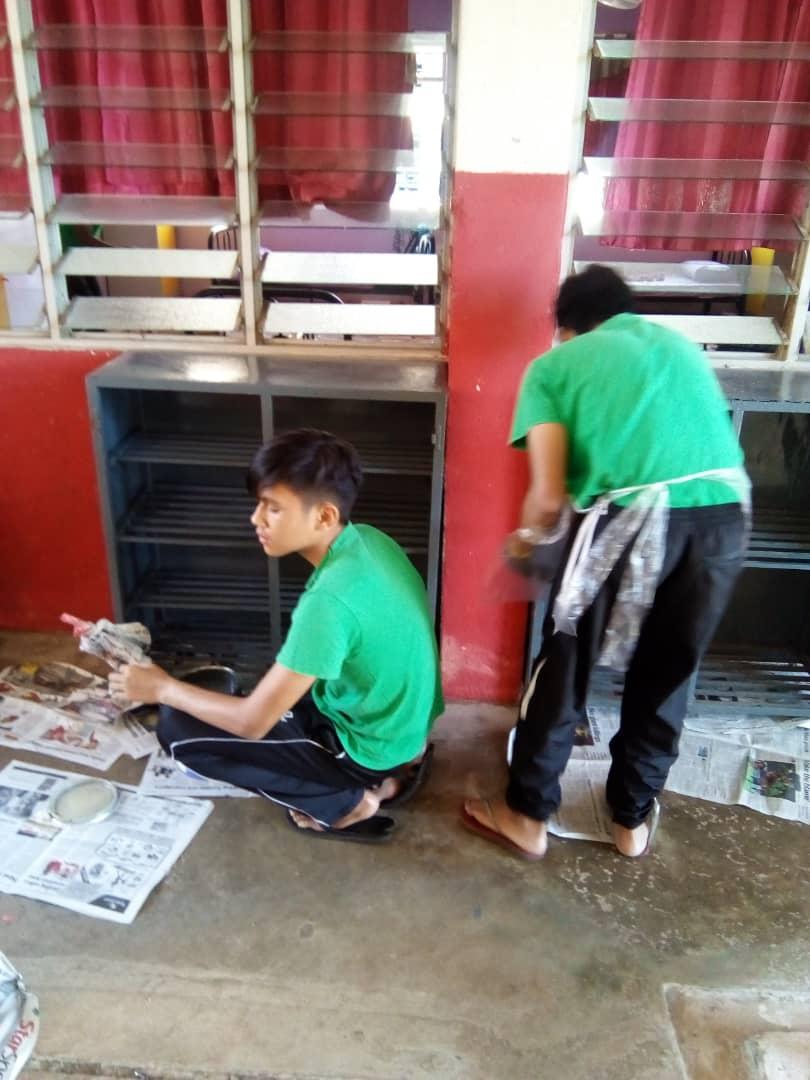 Gotong-royong Asrama 2019.Ibubapa dan pelajar bersama-sama bergotong-royong bagi menambahbaik infrastruktur di dalam asrama. Antaranya mengecat rak kasut, memasang tikar getah, mengecat dinding.