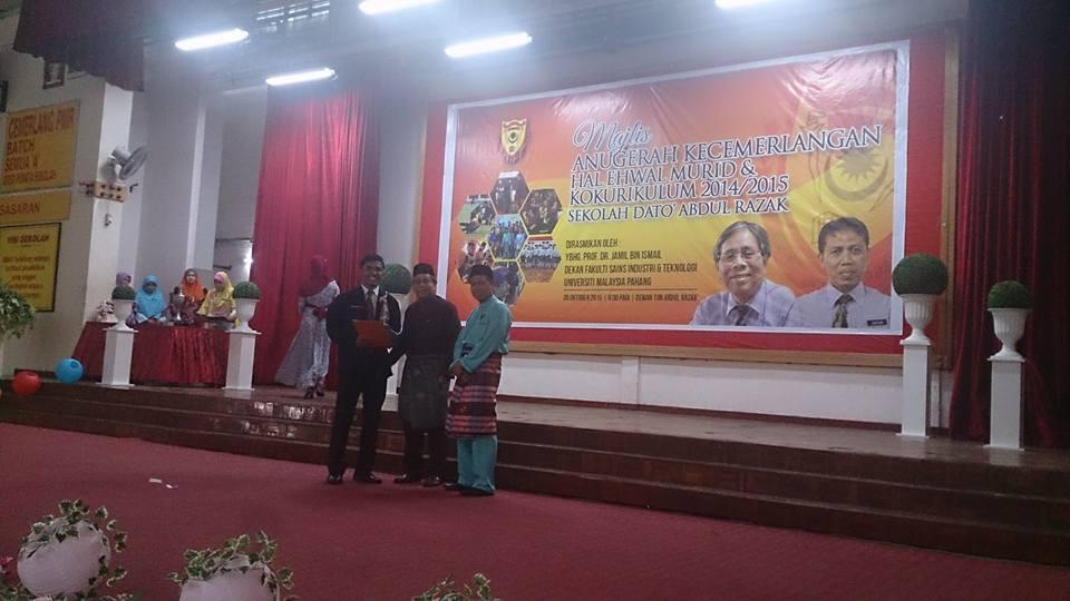 Majlis  Anugerah Kecemerlangan  Hal Ehwal Murid dan Kecemerlangan Kokurikulum Sekolah Dato' Abdul Razak Sesi 2014/2015 telah diadakan pada 30hb Oktober 2015 yang lepas. Majlis ini dirasmikan oleh Ybhg. Prof. Dr. Jamil B.