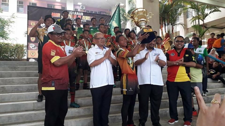 Pada 28 hingga 29 Oktober yang lalu,Kejohanan Ragbi Jemputan 10 Sebelah telah berlangsung di padang Sekolah Dato' Abdul Razak. Tahniah dan Syabas bagi setiap pasukan yang bertanding.