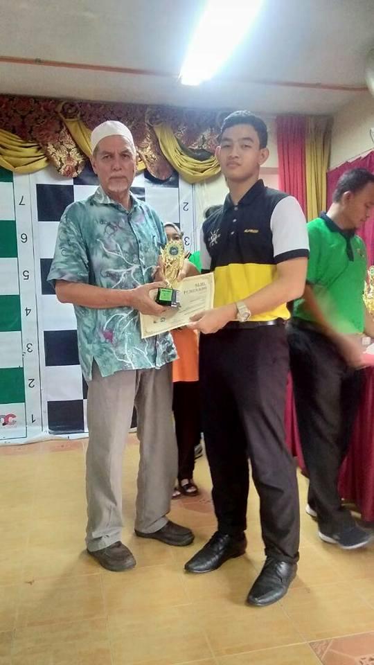 Pelajar SDAR telah mengambil bahagian dalam Kejohanan Catur Terbuka di SekolahKebangsaan Pantai.Pelajar Tingkatan 3, Iskandar Hakimi Bin Zulkippli meraih tempat pertama besertapeserta terbaik bagi kategori B15 di dalam kejohanan ini. Tahniah diucapkan!